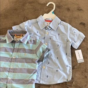 Set of 2 short sleeve button down shirts